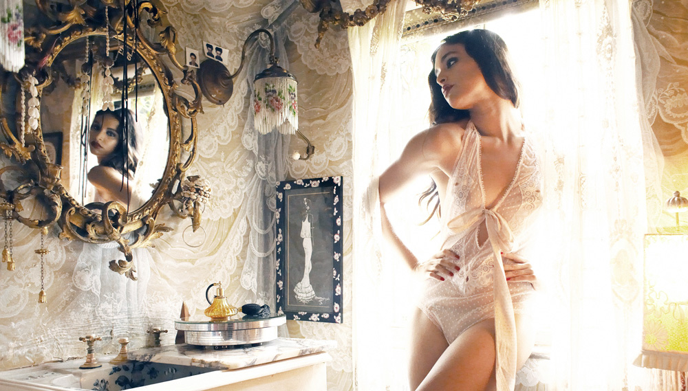 Shell Belle Couture - Luxury Lingerie